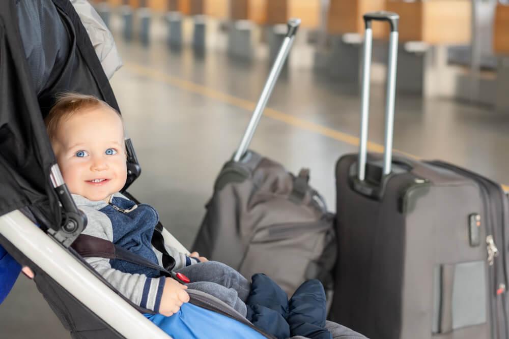 嬰兒推車可以上飛機嗎?6大廉航 嬰兒推車托運、手提搭機規定整理