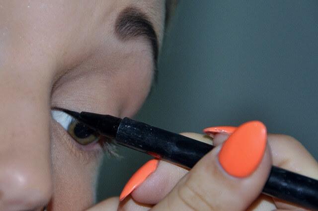 makeup_ Eyeliner
