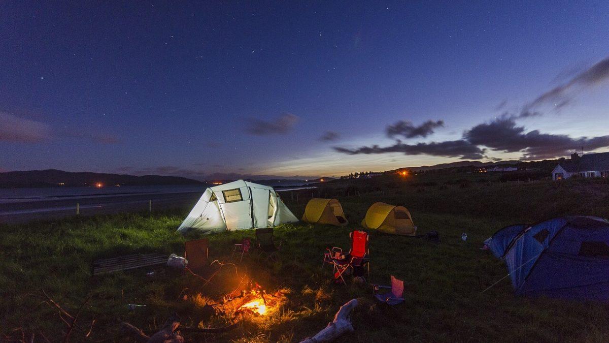 第一次露營要帶什麼?帳篷、照明設備、伙食…給新手露營必備清單