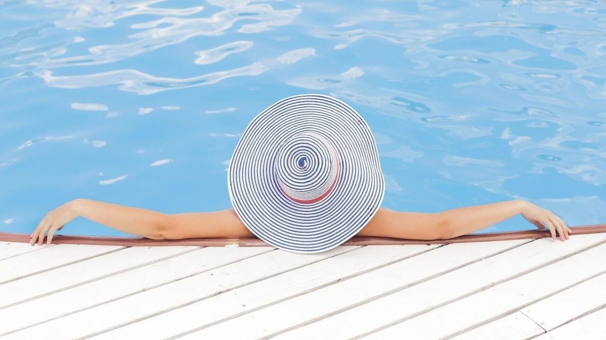 夏天就往國外跑!盤點全球避暑勝地推薦top10,海島、瀑布等你玩