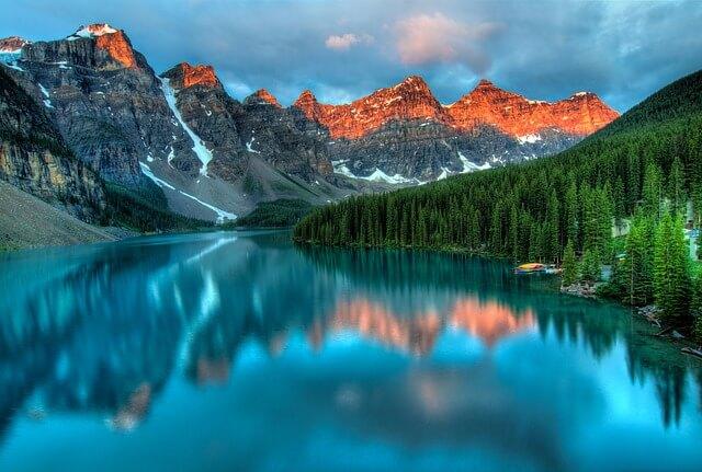 國外避暑勝地加拿大露易絲湖
