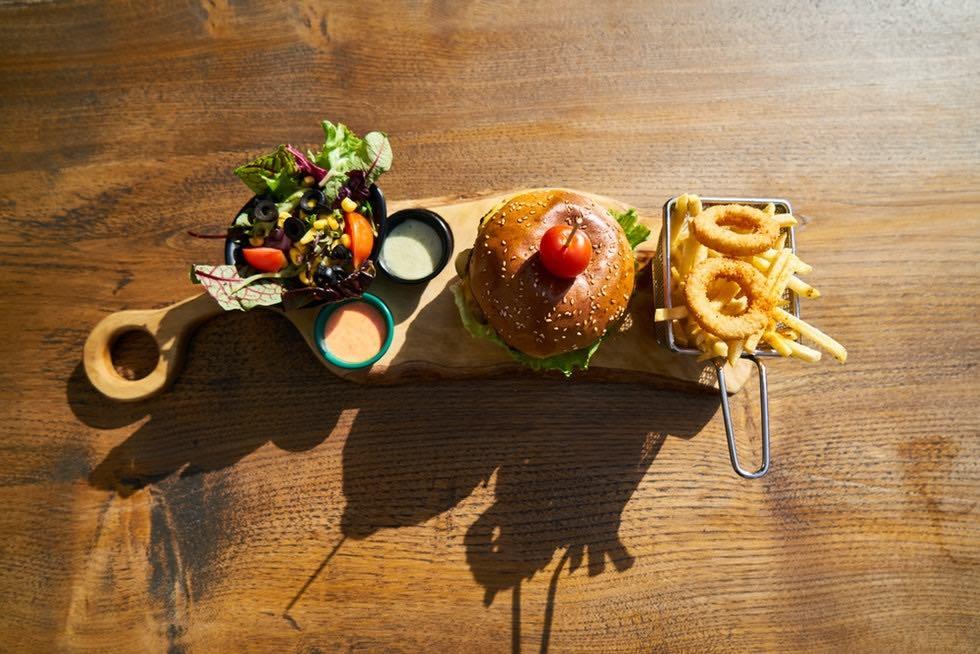 素食者也能大口吃!台北市素食漢堡推薦10選,體驗蔬食漢堡好美味