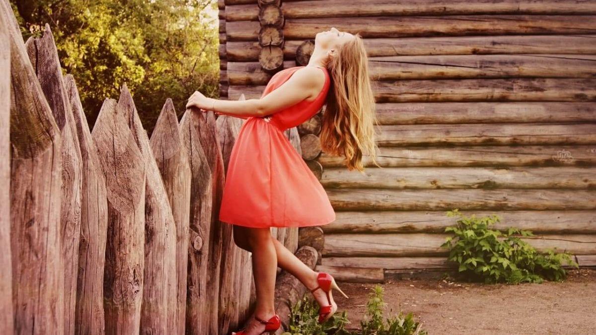 夏天來吧!肉肉女夏天穿搭10個顯瘦技巧,甜美棉花糖女孩就是你