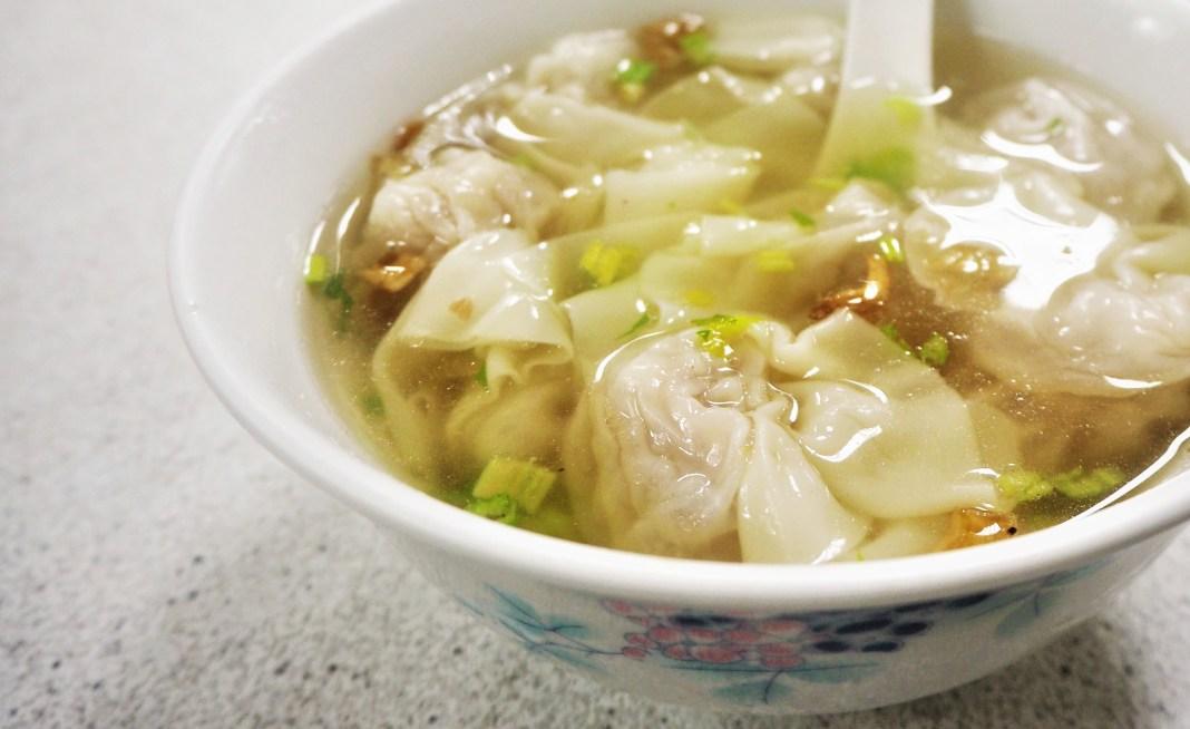 在地人都這樣吃!台灣花蓮必吃懶人包,蔥油餅、扁食等排隊美食隨你挑
