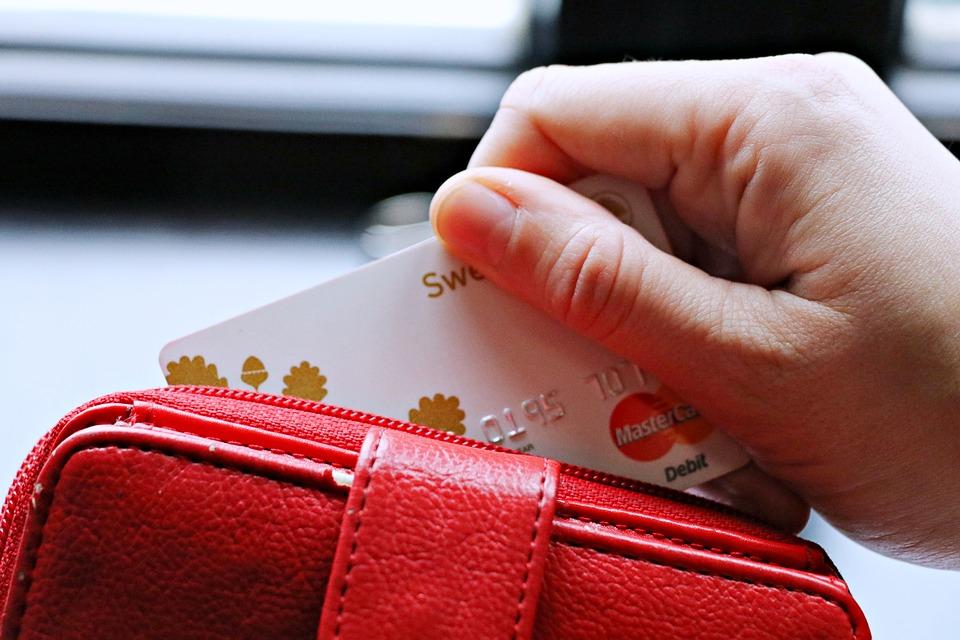 2019 信用卡繳汽機車燃料費懶人包:手續費、分期零利率、優惠活動