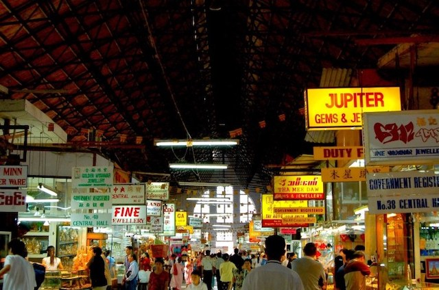 翁山市場(Bogyoke Aung San Market)