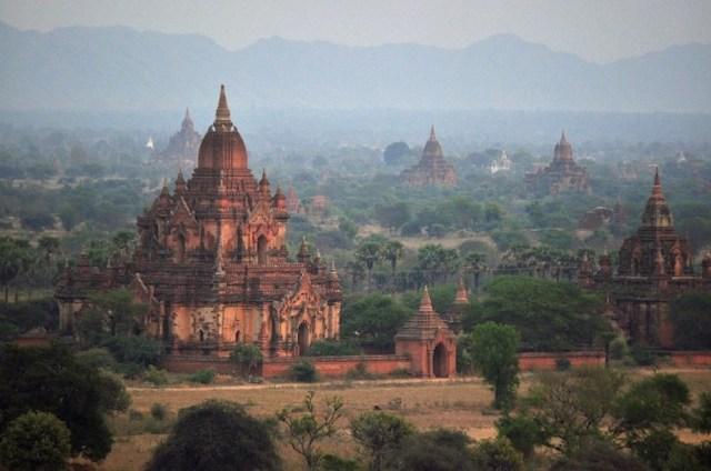 瑞山都佛塔(Shwesandaw Pagoda)