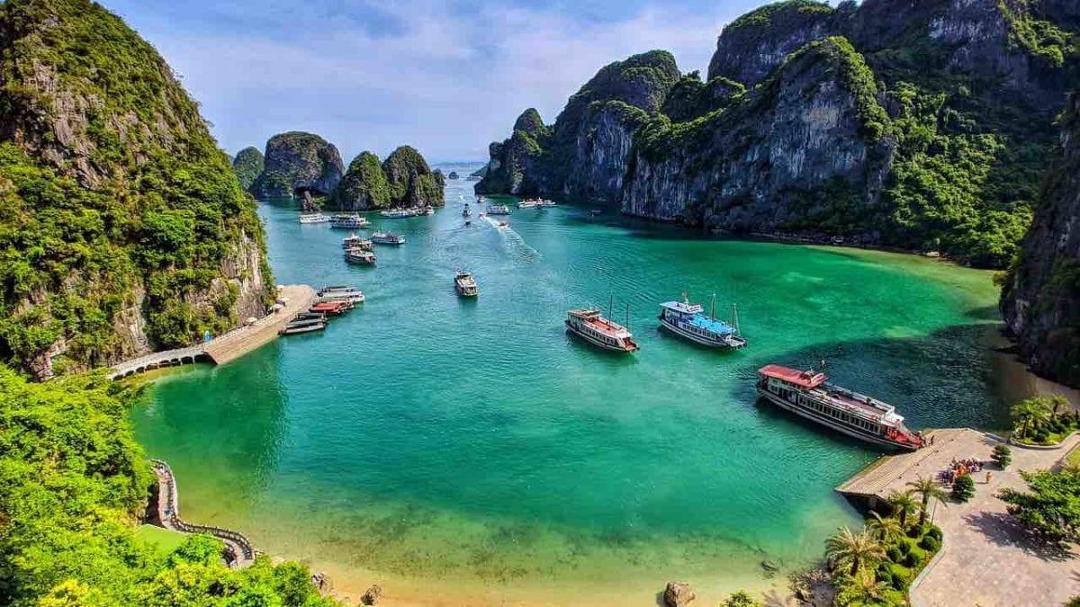 越南旅遊 | 下龍灣景點推薦top10,絕美海灣、水上人家…人間仙境由此去