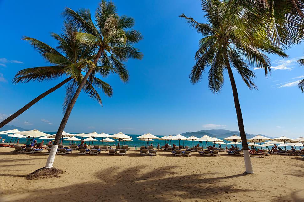 越南旅遊 | 芽莊景點推薦top10,沙灘散步、玻璃船跳島行…自由行好好玩