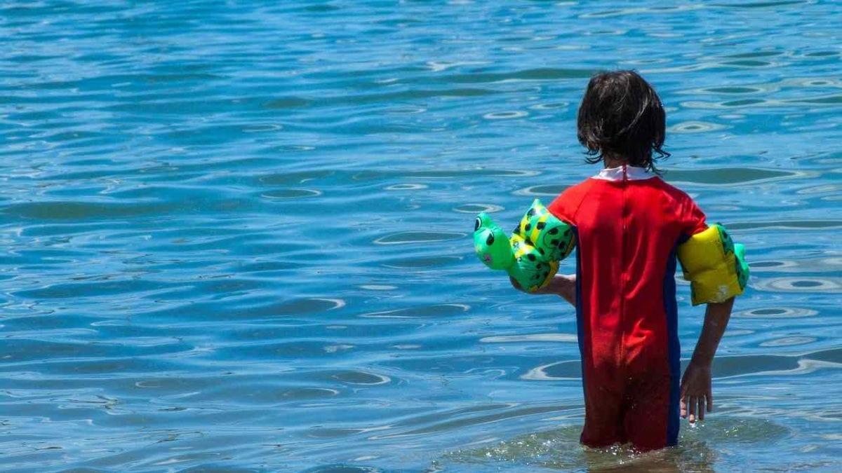 冬天想游泳?兒童保暖泳衣推薦top10,防寒、輕薄最便宜500有找