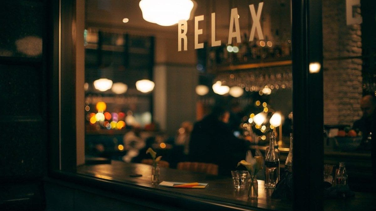 來場港都微醺夜~高雄特色酒吧推薦,浪漫海港夜景、復古風格隨你挑