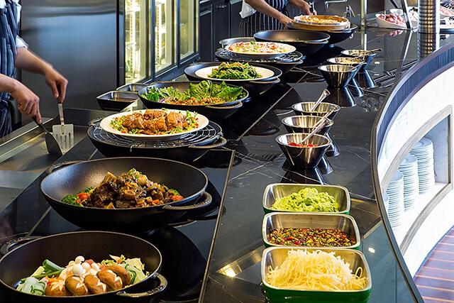 圖片來源:國賓大飯店 i River 愛河牛排海鮮自助餐廳