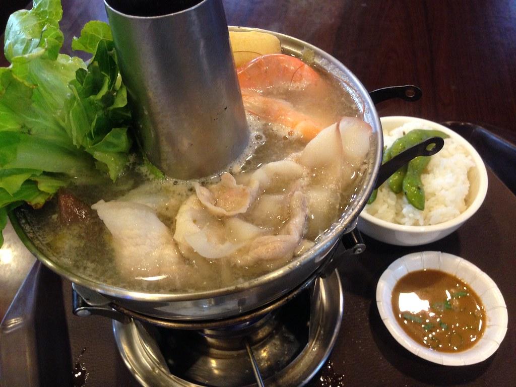 成家小館 酸菜白肉鍋