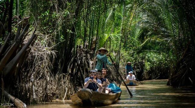 湄公河玩甚麼?來乘手搖船
