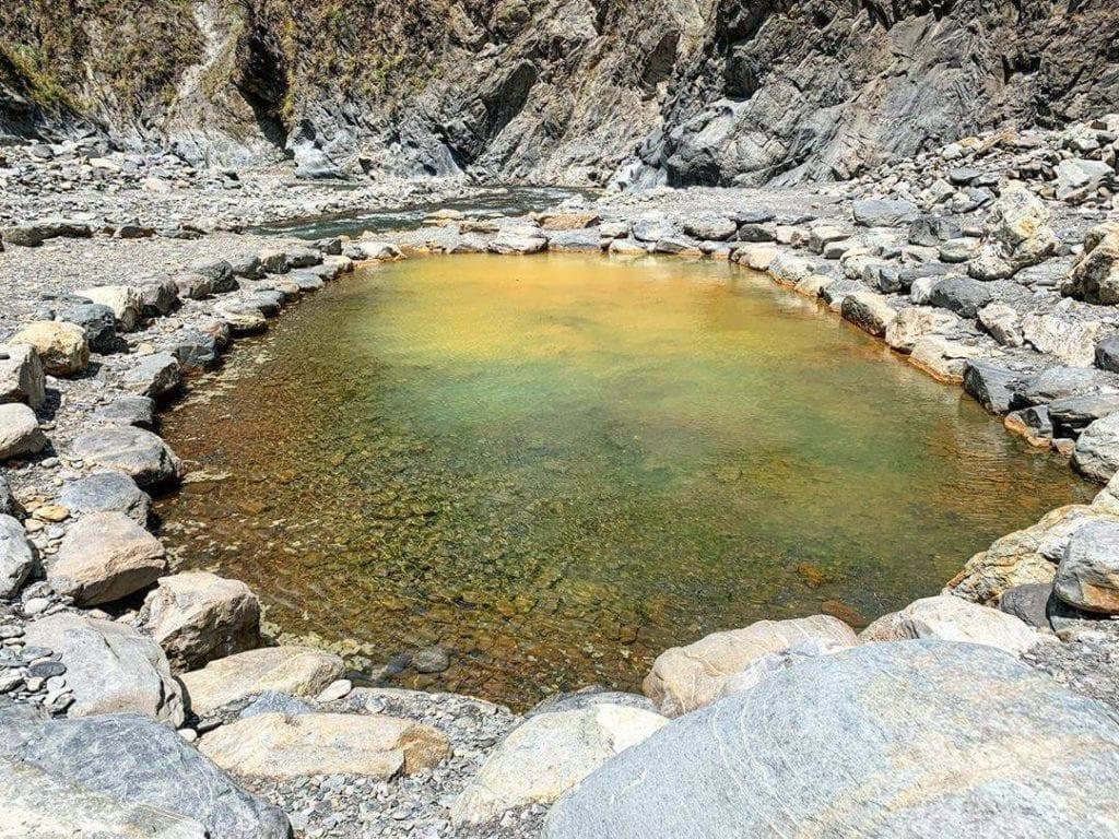 屏東哈尤溪溫泉
