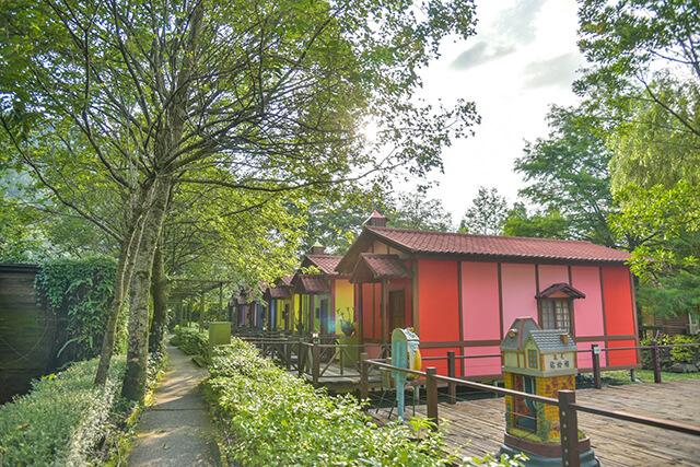 台一生態休閒農場彩色小木屋