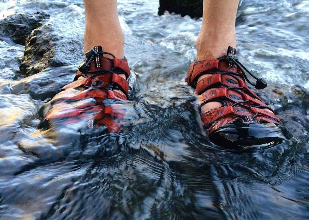 男性防水涼鞋推薦