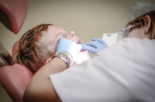 牙齒清潔更全面!沖牙機好處、使用時機、推薦夯品一次報你知