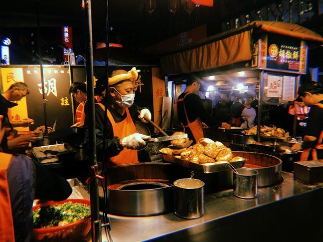 高雄旅遊|高雄肉燥飯推薦10選,在地人特搜的古早宵夜、早午餐!