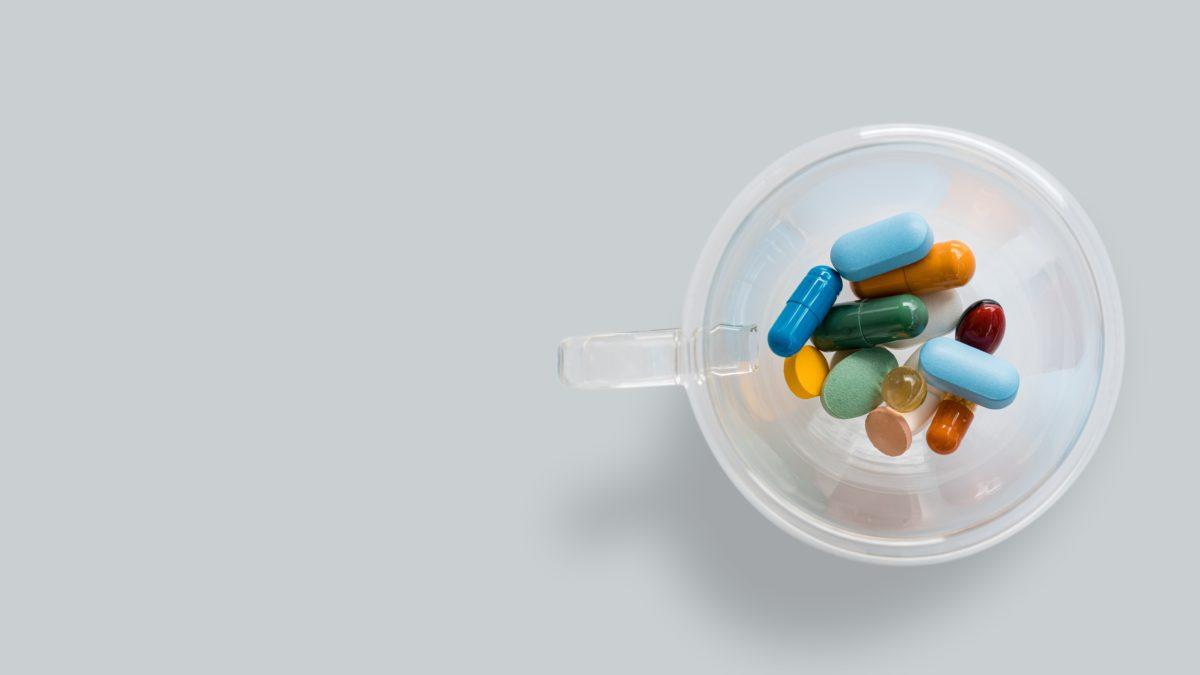 疫情期怎麼補?2021 綜合維他命推薦,DHC、h&b…等通通有