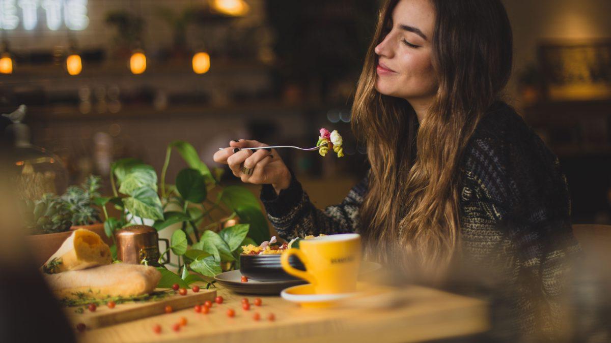 疫情期健康吃!2021 生機食品店聯名卡推薦,吃得安心又健康